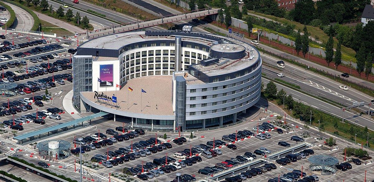 Radisson Blu Hotel Hamburg Airport K2b Architekten